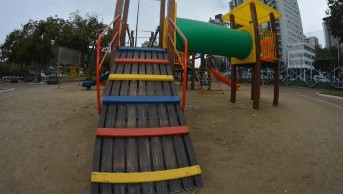Avenida Beira-Rio recebe novos aparelhos de parque infantil