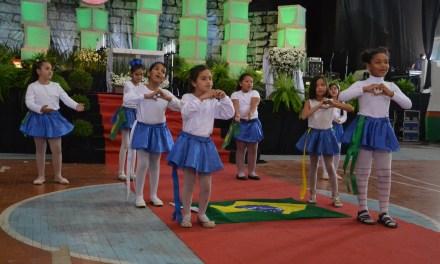 Apresentações marcam Homenagem Cívica em Camboriú