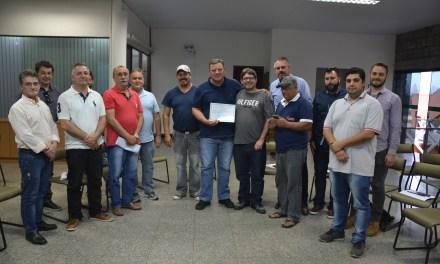 Prefeito de Camboriú recebe moção de congratulações
