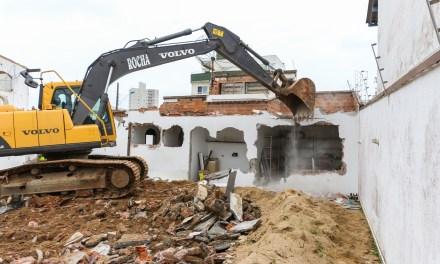 Demolida casa para prolongamento da rua Uruguai
