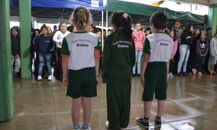 Prefeitura de Camboriú inicia entrega dos uniformes escolares