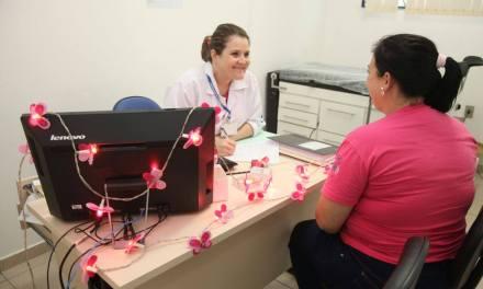 Itajaí intensifica prevenção do câncer de mama e de colo do útero durante o Outubro Rosa
