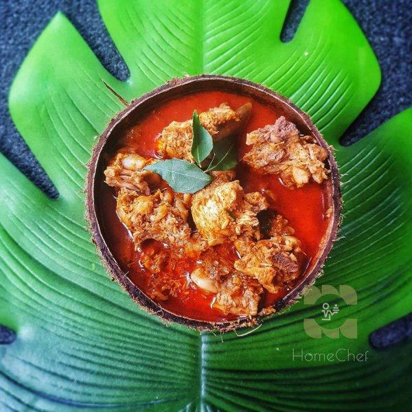 Varutharacha Kozhi Curry / Chicken in Roasted Coconut Gravy
