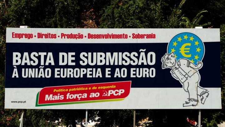 201605_cartaz_8x3_exterior_campanha_basta_submissao.jpg
