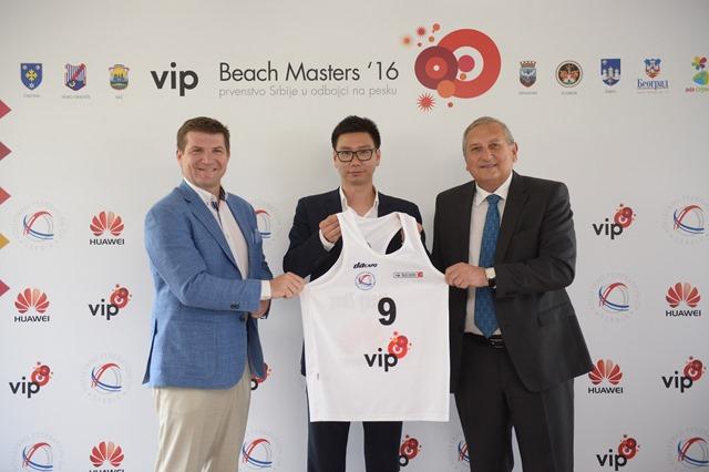 Sa_leva_na_desno_VBM_Dejan_Turk_direktor_CEO_Vip_mobile_Jacky_Zhao_regio...