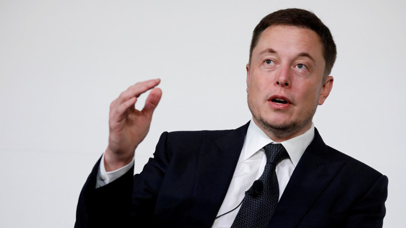 Elon Musk kupio kartu za putovanje u svemir.