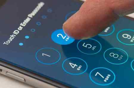 How To Bypass iPhone 6 Passcode with Siri