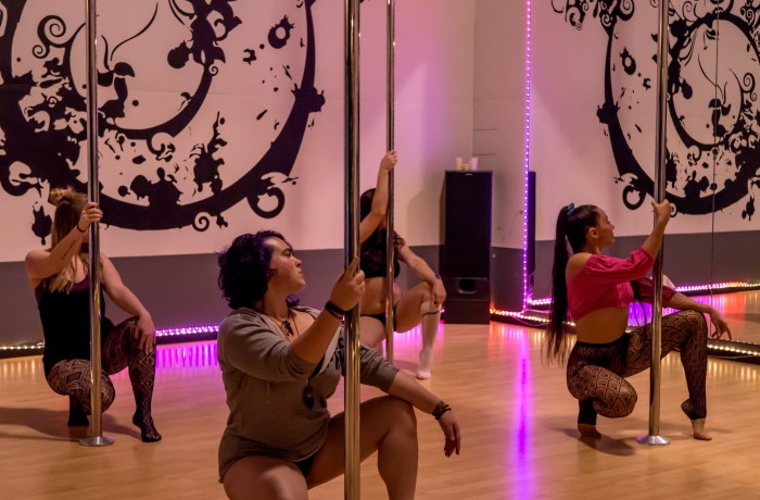 Pole Dance & Fitness Rogue Valley - Sexy Floor Work