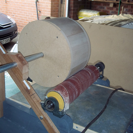 Kokos jig for making a stave drum without a lathe