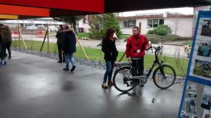 Stand d'information PDIE et essais de vélos à assistance électrique à l'INRS