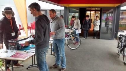 Stand d'information et essais de vélos à assistance électrique à l'INRS
