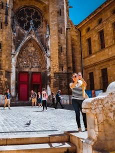 Taking a selfie with the church of Saint-Jean-de-Malte