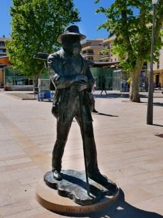 Cezanne's statue at the square beside the Fontain de la Rotonde