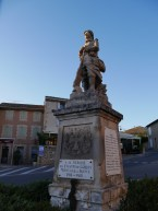 Gordes. Monument for the fallen in WW I