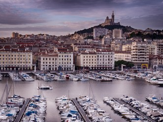 Waking up early to catch the airplane back. It was a very serene morning in the vieux port #HDR