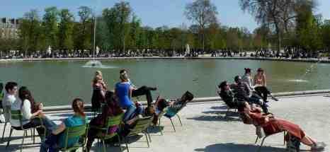 Sun worship, Jardin de TuileriesParis