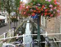 Delft, canal bridge