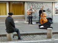Rue Mouffetard, Paris - buskers and audience