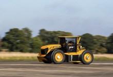 Photo of JCB Fastrac Two : le tracteur le plus rapide du monde !