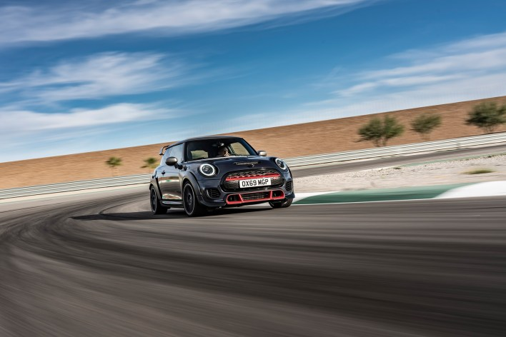 mini-john-cooper-works-gp-f56-piste