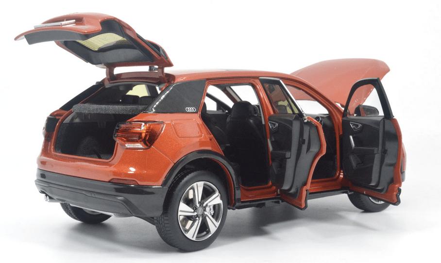 Audi Q2L Paudi orange ouvrants