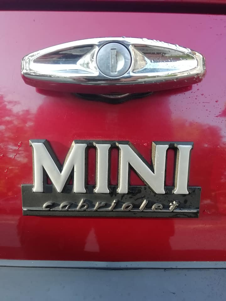 Rover Mini cabriolet Karmann logo