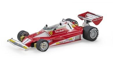 Photo de 1/18 : La Ferrari 312 T2 de Niki Lauda arrive