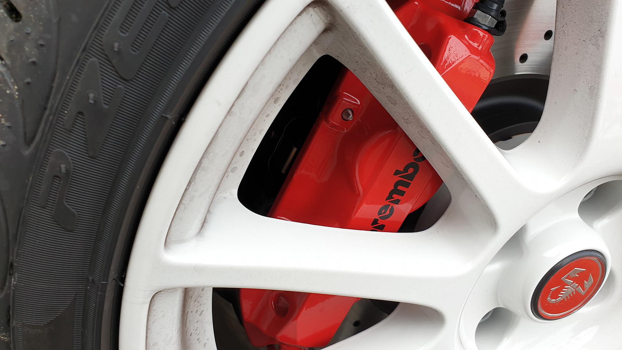 Étrier de frein Brembo de l'Abarth 595 EsseEsse