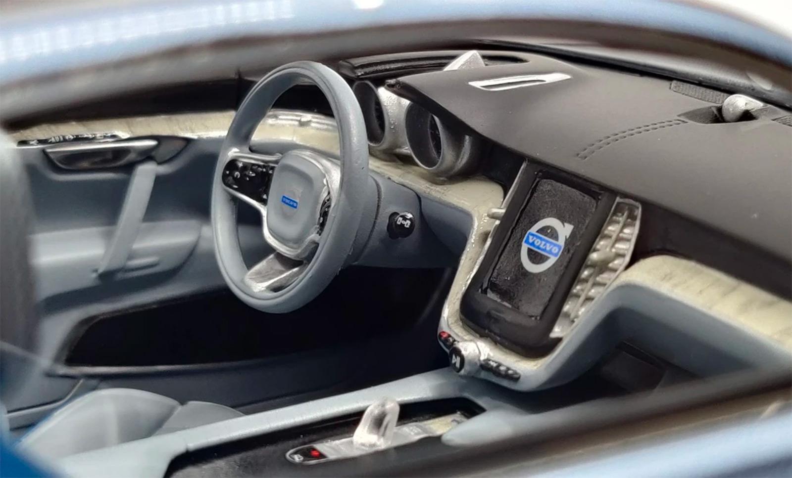 Tableau de bord de la Volvo Concept Coupé DNA Collectibles 1/18