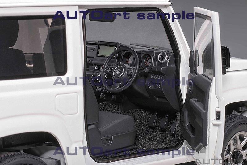 1/18 Suzuki Jimny AUTOart intérieur