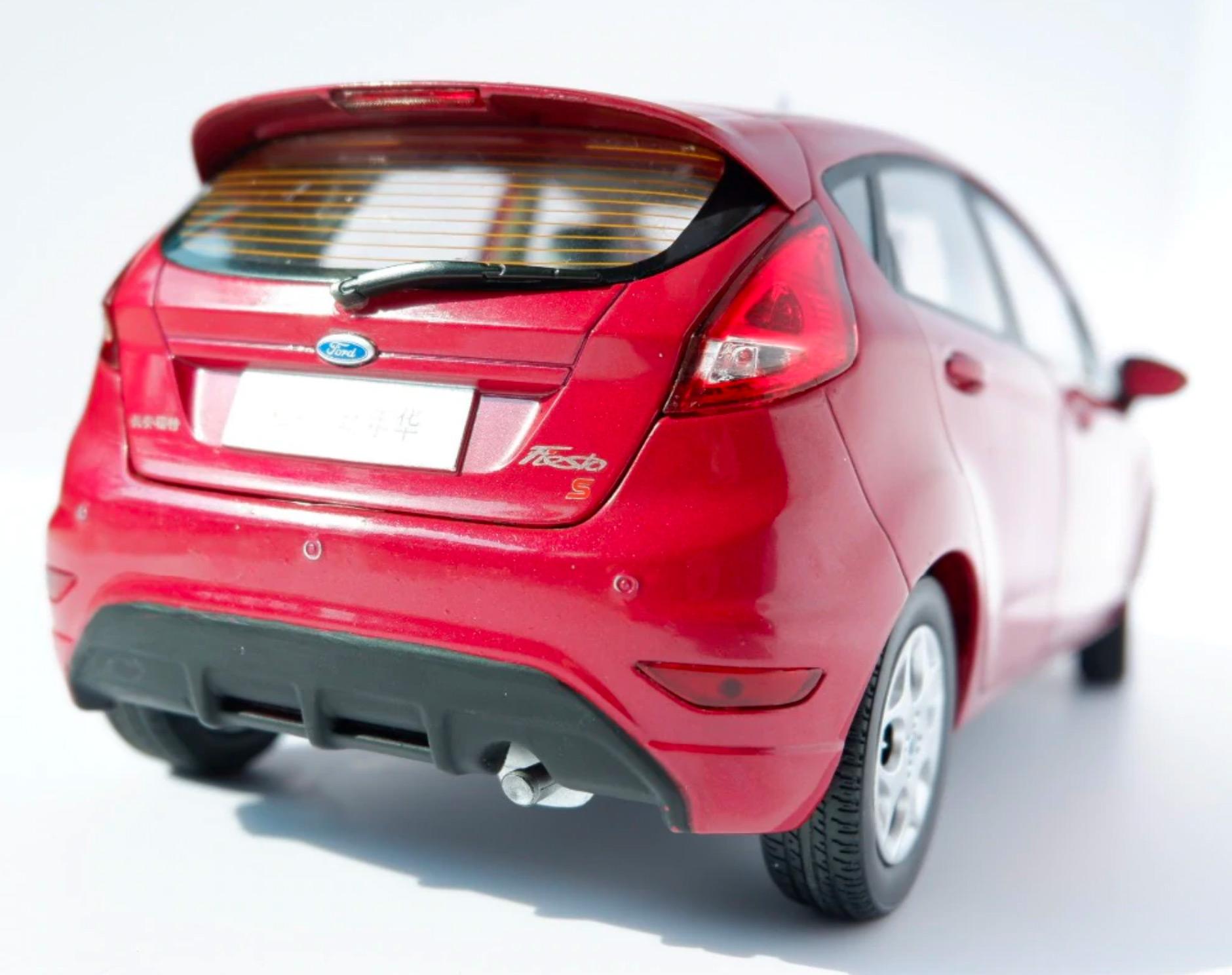 1/18 Ford Fiesta Paudi arrière