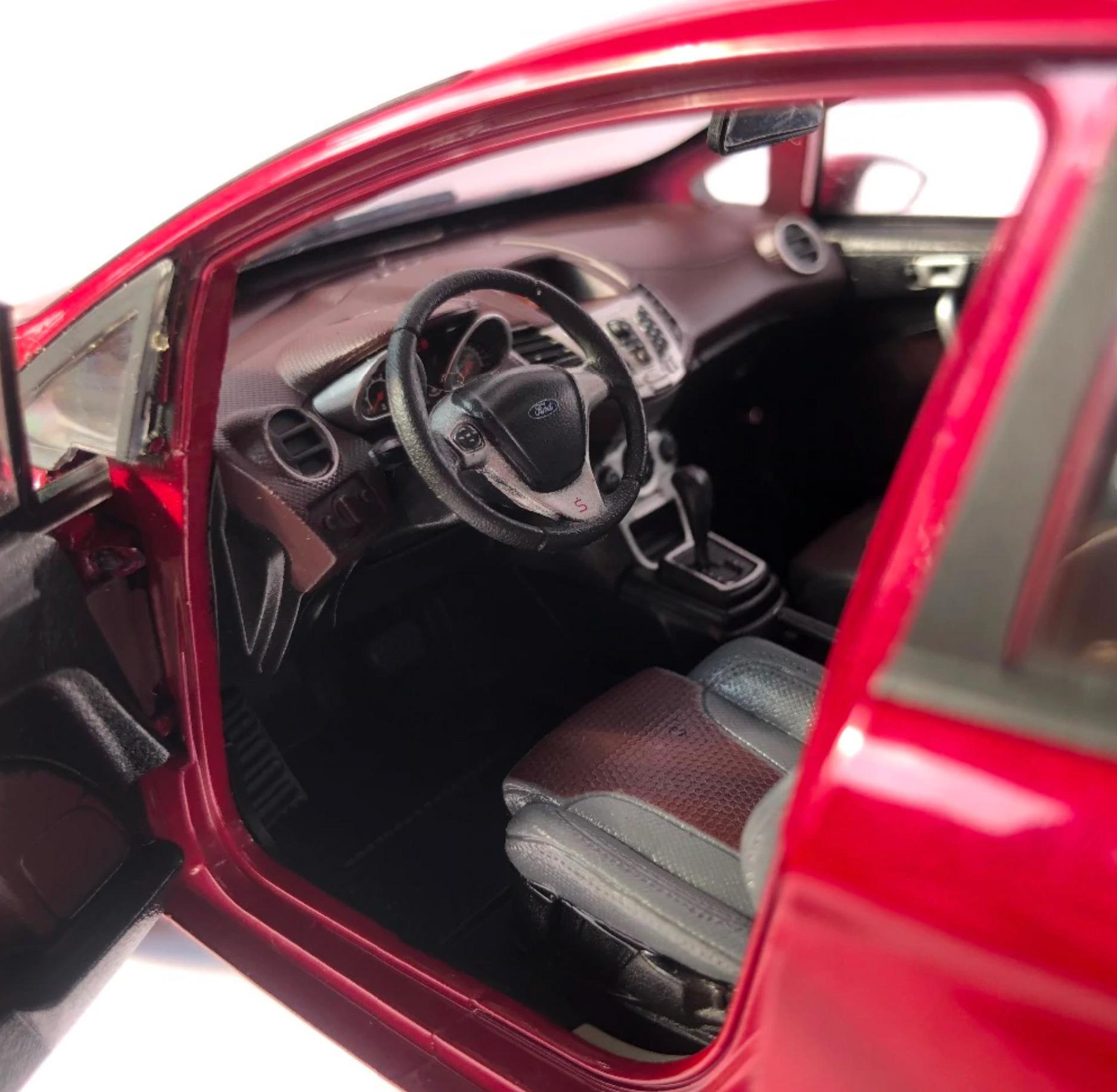 1/18 Ford Fiesta Paudi intérieur