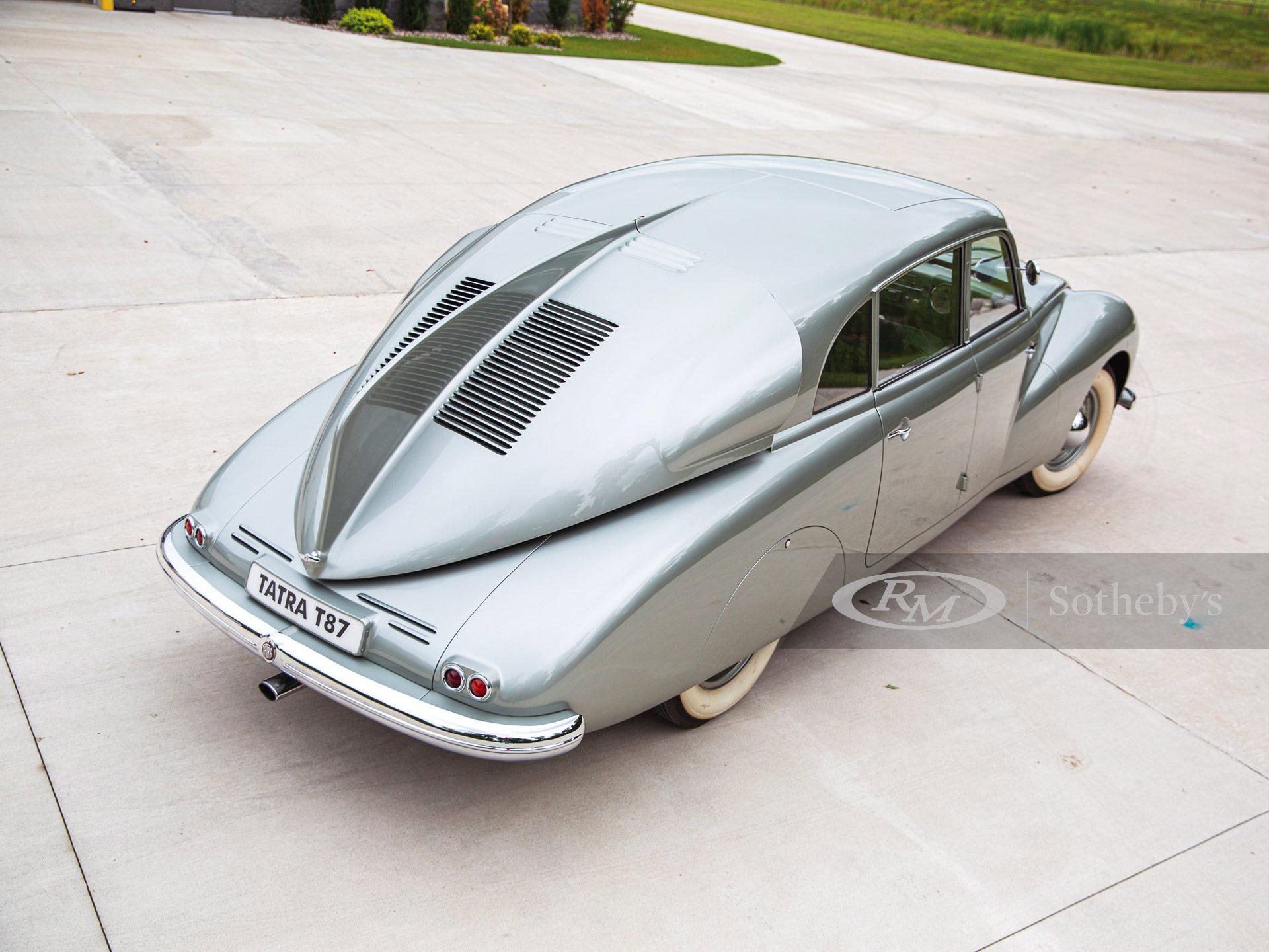 Tatra T87 arrière
