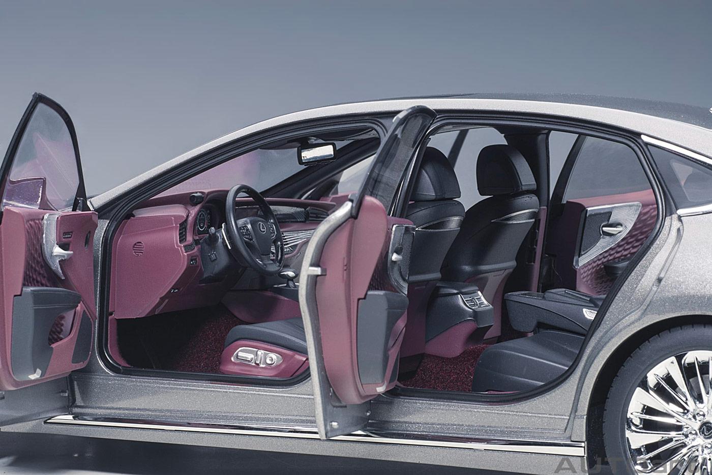 78867 Lexus LS500h AUTOart ouvrants