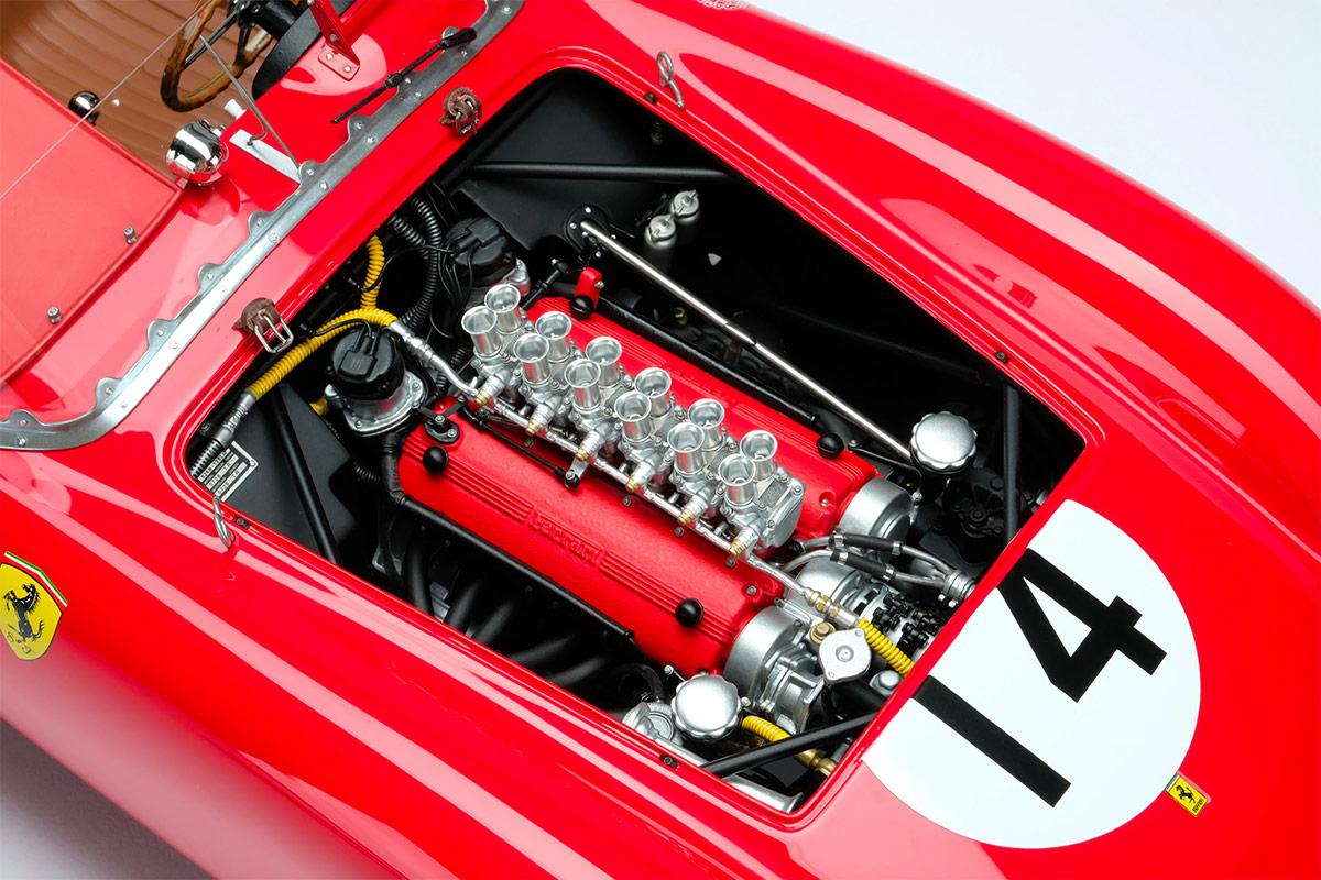 Moteur V12 de la Ferrari 250 TR Amalgam au 1/18