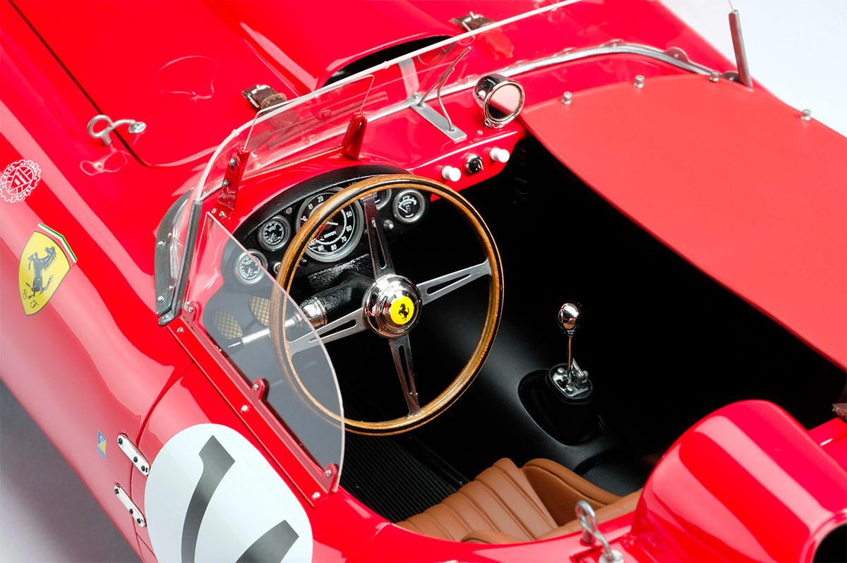 Volant de la Ferrari 250 TR Amalgam au 1/18