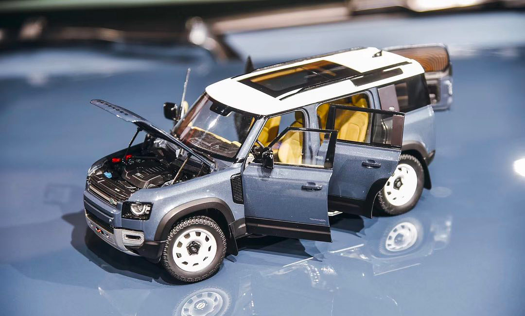 1/18 Land Rover Defender 2020 ALMOST REAL