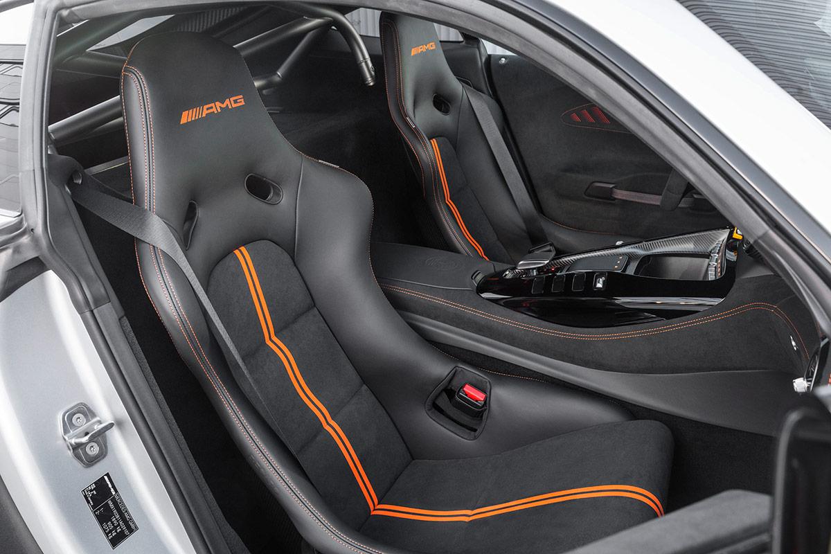 Sièges baquets de la Mercedes AMG GT Black Series