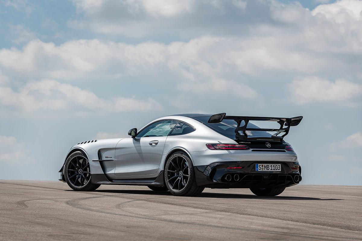 Trois quarts arrière de la Mercedes AMG GT Black Series
