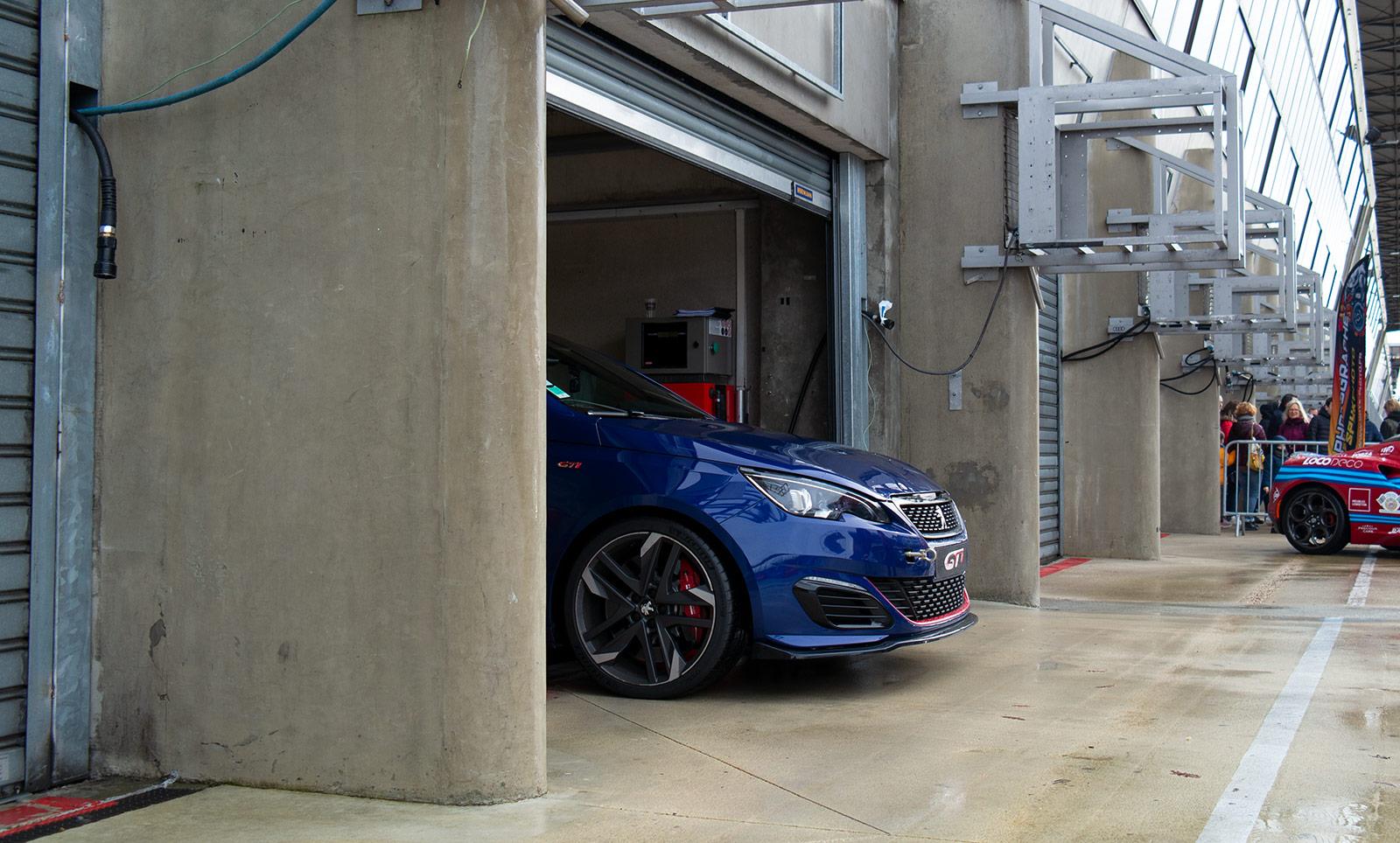 Peugeot 308 GTI circuit