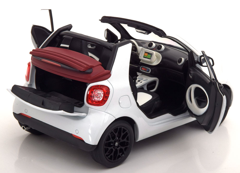 1/18 Smart Fortwo Norev blanc