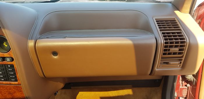 Boîte à gants Lancia Thema 8.32