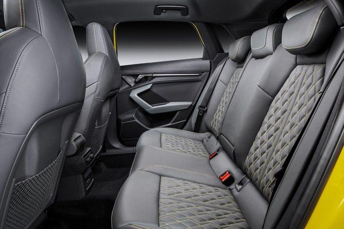 Places arrière Audi S3 2020