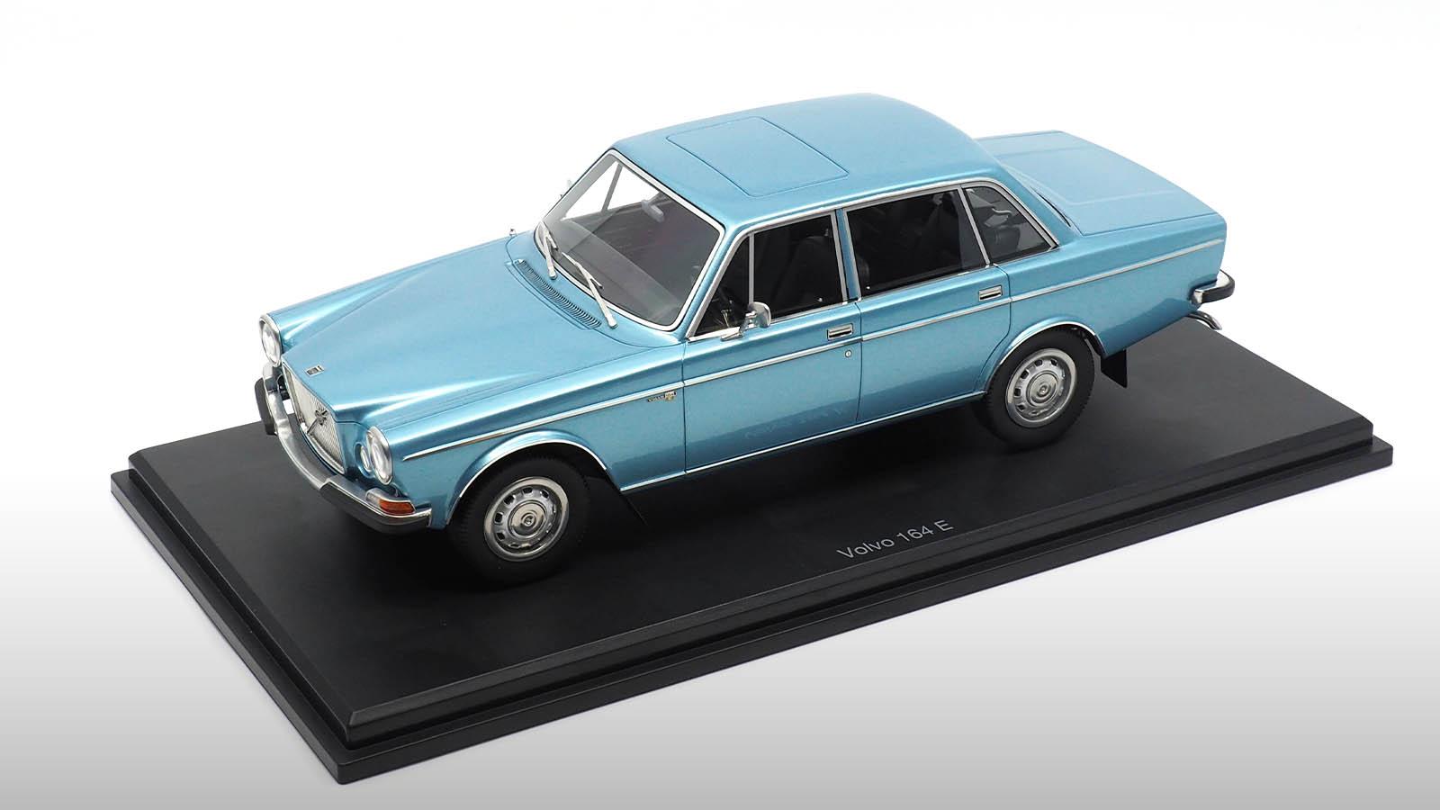 1/18 Volvo 164 E DNA Collectibles