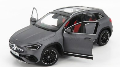 1/18 Mercedes GLA Z Models
