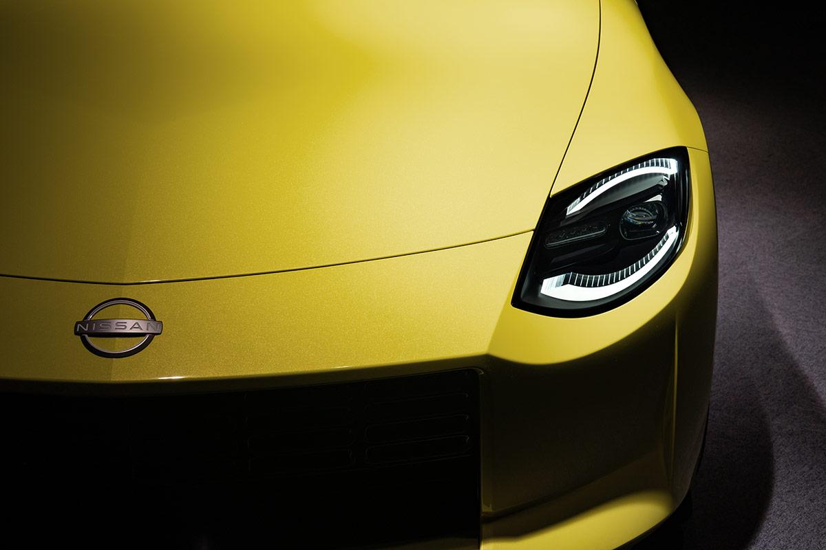 Nissan Z Proto phares