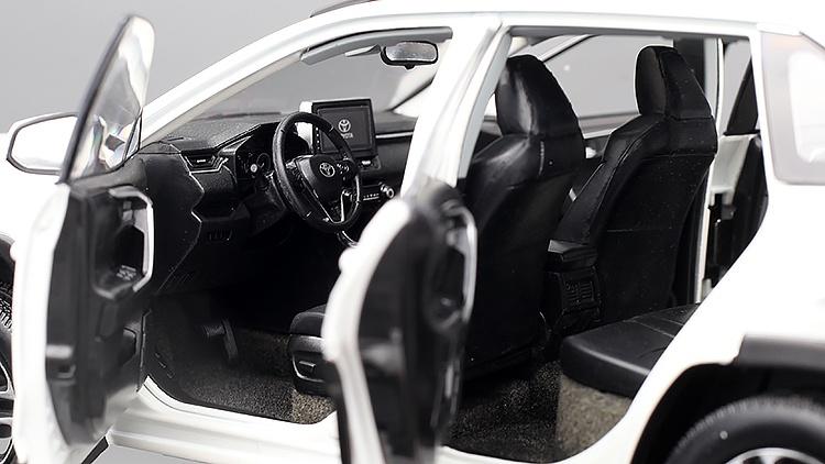 1/18 Toyota RAV4 Paudi habitacle