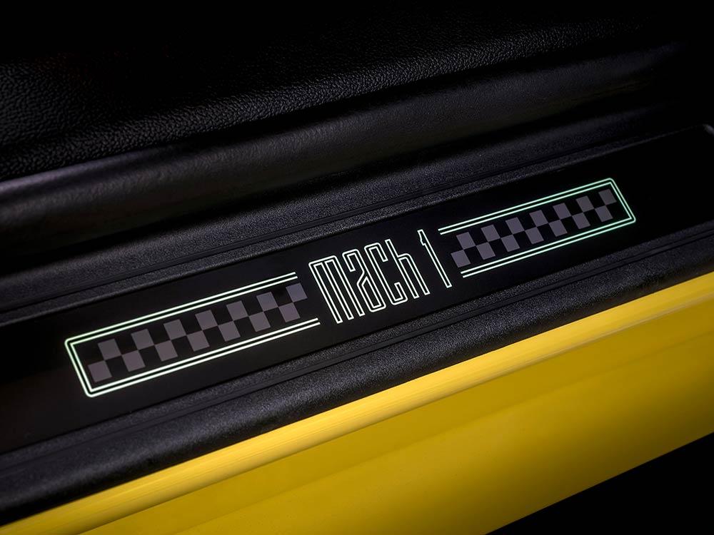 Ford Mustang Mach 1 seuil de porte