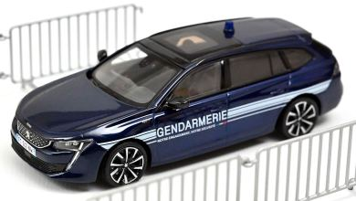 Photo de 1/43 : La Peugeot 508 SW gendarmerie arrive
