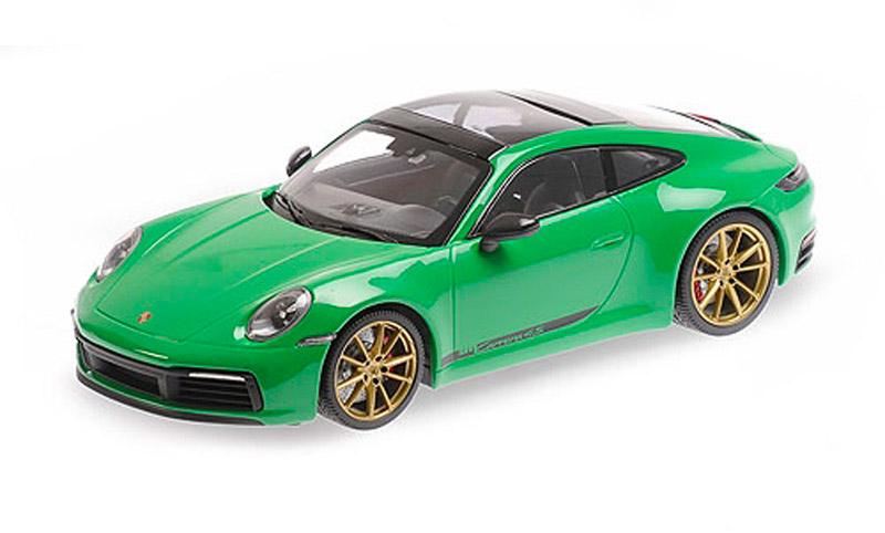 155067325 Porsche 911 Carrera 4S Green